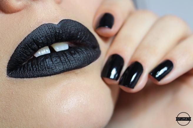 bouche ongles noir mat