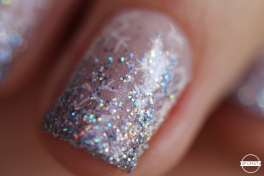 nail-art-flocons-paillettes-7