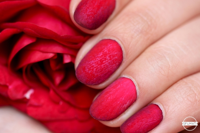 nail-art-petales-rose-rouge-3